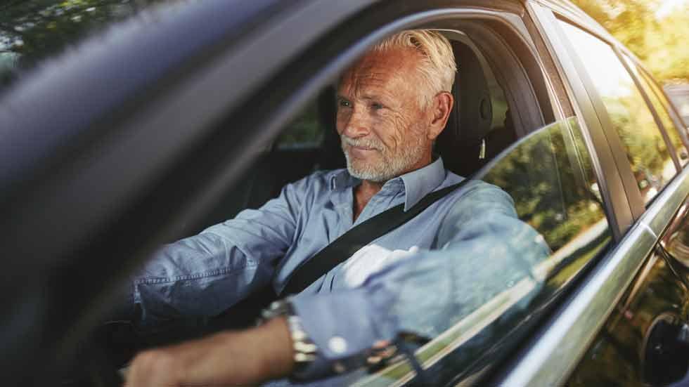Conductores mayores, menos accidentes de tráfico pero más veces culpables