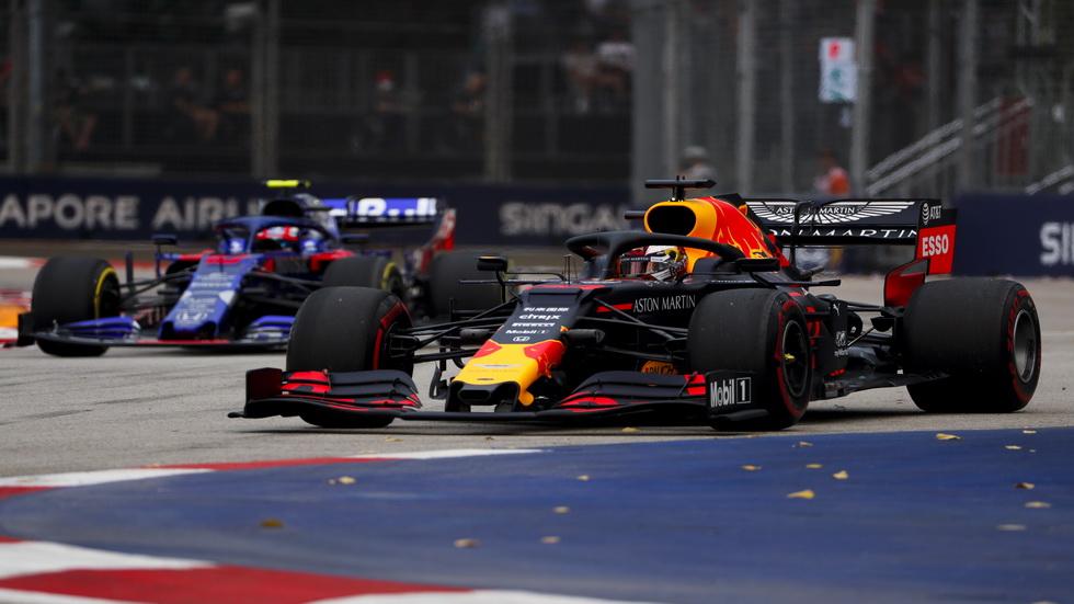 GP de Singapur de F1 (FP1): Verstappen el más rápido, con accidente de Bottas