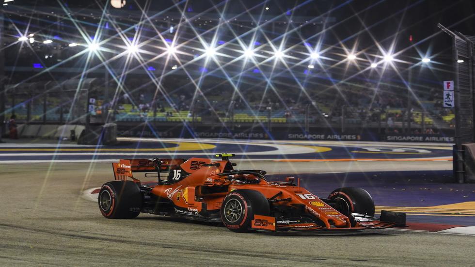 GP de Singapur de F1 (Q): Charles Leclerc consigue su quinta pole en F1