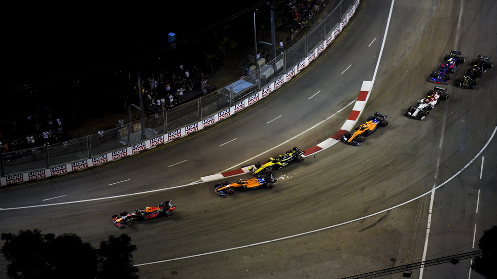 GP de Singapur de F1: Hulkenberg golpea a Sainz en la vuelta 1