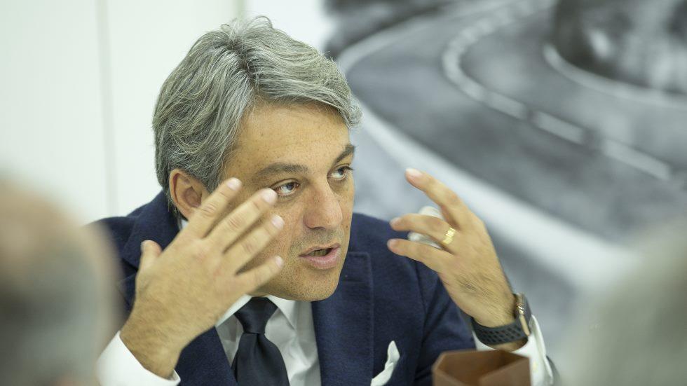 """Entrevista a Luca de Meo, presidente de Seat: """"No hay que ver solo el precio del eléctrico"""""""