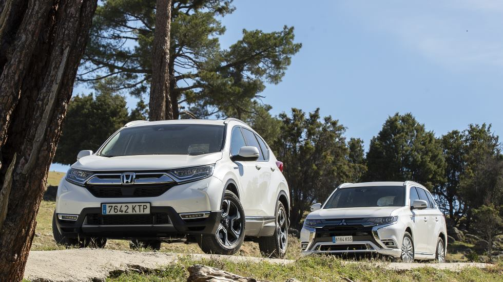 Honda CR-V I-MMD 4X4 vs Mitsubishi Outlander PHEV: ¿mejor SUV híbrido o plug-in?