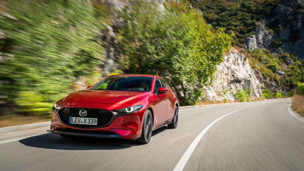 Mazda 3 Skyactiv-X: prueba, datos y precios del compacto que llega en octubre