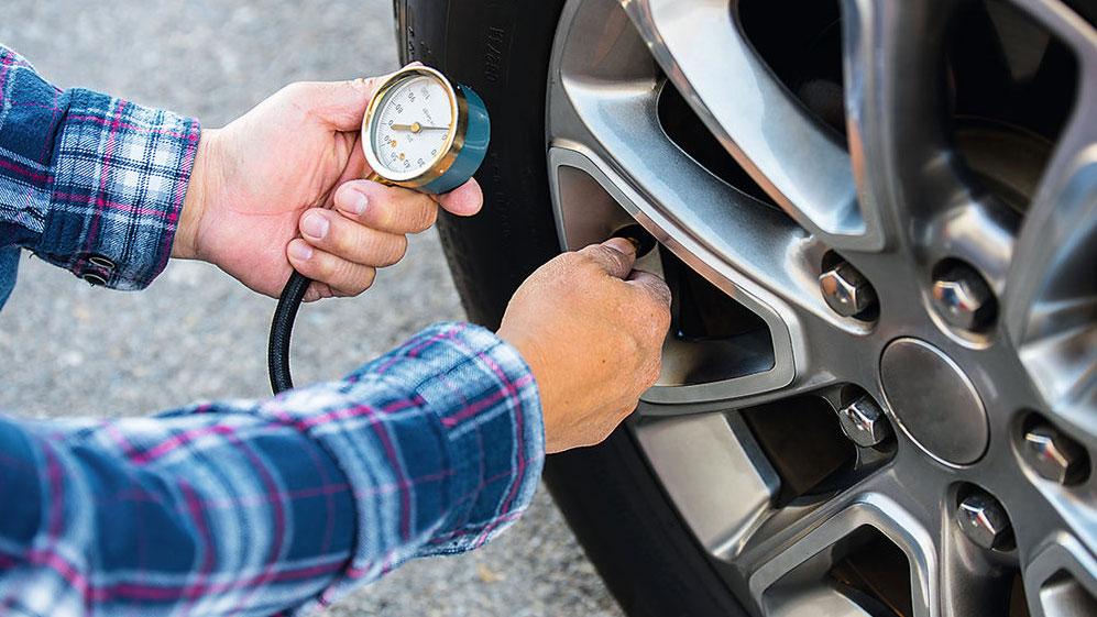 Cómo afecta a tu coche la mala presión de neumáticos: ahorra y evita problemas y averías