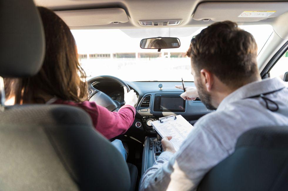 Todas las claves del nuevo examen de conducir, ya vigente: ¿más o menos difícil?