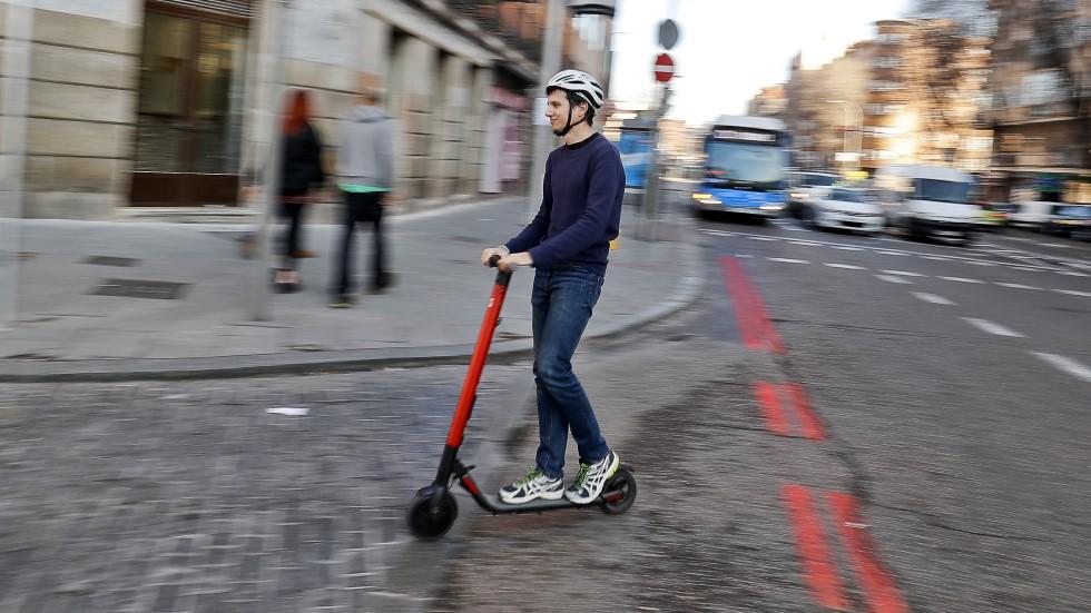 Los patinetes eléctricos, ¿con matrícula, seguro obligatorio y límite de edad?