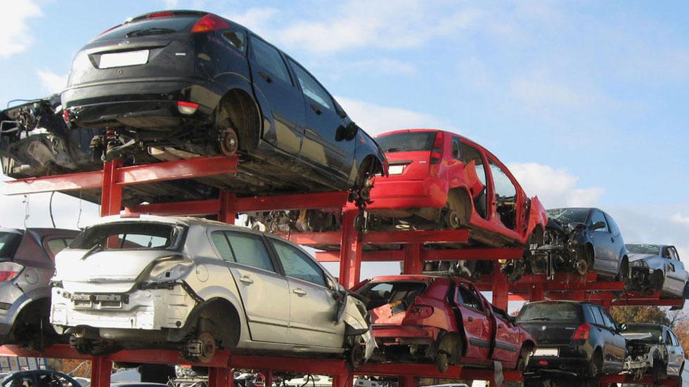Descuartizadores de coches: las mafias que roban y venden por Internet