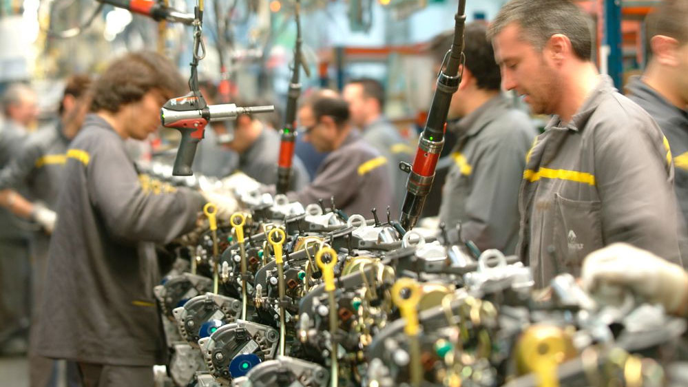 Varios ingenieros españoles opinan que prohibir el diésel y la gasolina destruirá la industria