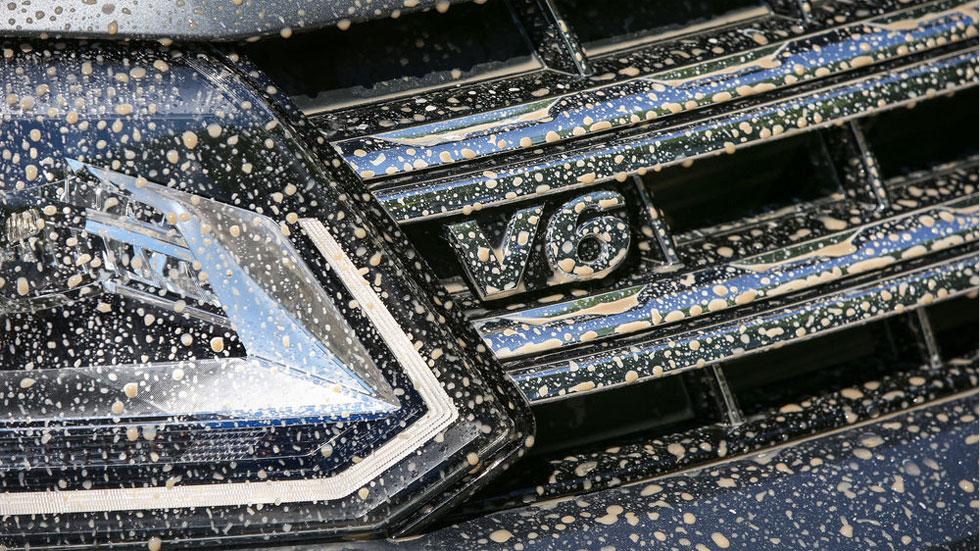 Las multas que te ponen si llevas sucios los faros, la matrícula y otros elementos del coche