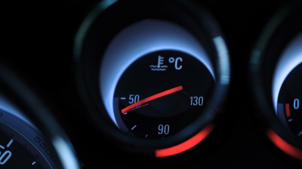Los mejores trucos para arrancar bien el coche cuando hace frío y evitar averías