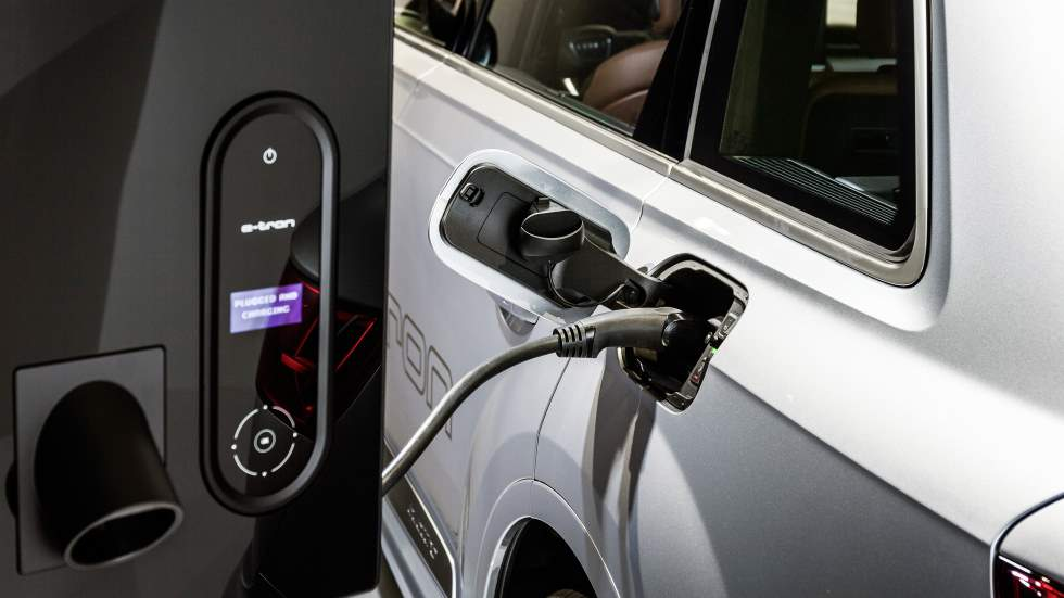 ¿Cuántos coches eléctricos habrá en España en 2030?