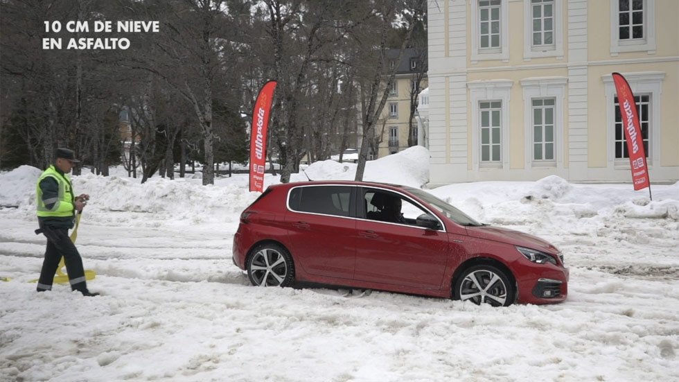 VÍDEO: Neumáticos de invierno, ¿ofrecen más agarre y tracción?