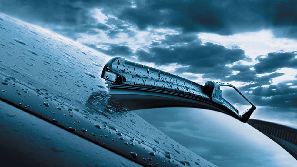 El mejor truco para tener los limpiaparabrisas de tu coche como nuevos