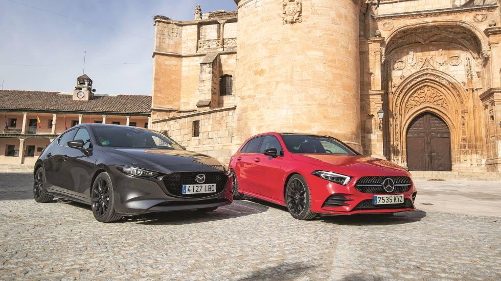 Mazda3 2.0 Skyactiv-X vs Mercedes Clase A 200: qué compacto de gasolina es mejor