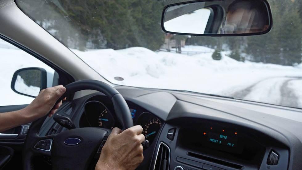 Nieve y hielo en la carretera: atento a los consejos de conducción de la DGT
