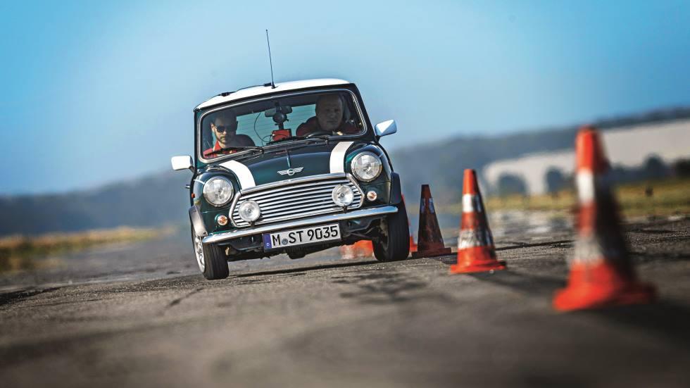 Mini Cooper 1.3 Mk1: a prueba el Mini original con más solera