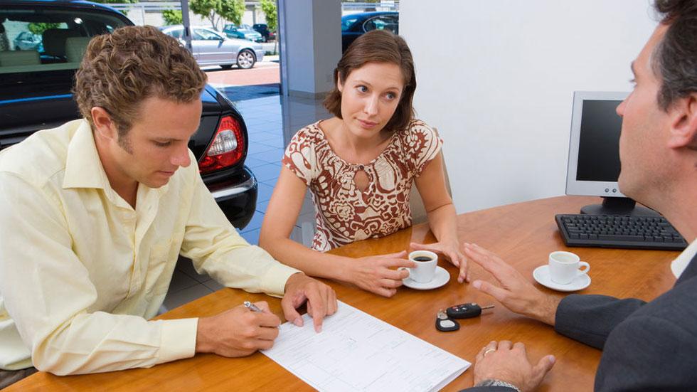 Lo que nunca debes hacer al dar de baja el seguro de tu coche