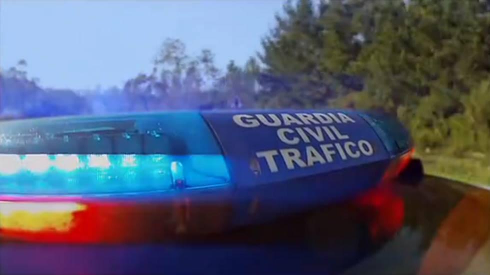 Luces rojas de la Guardia Civil: qué significan y así debes actuar (vídeo)