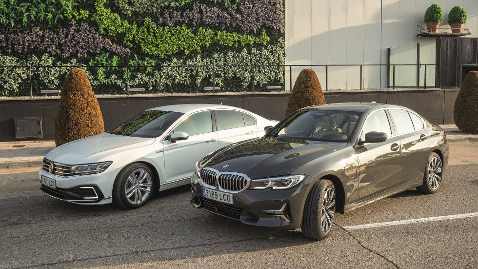 BMW 330e vs VW Passat GTE: buscamos la mejor berlina híbrida enchufable