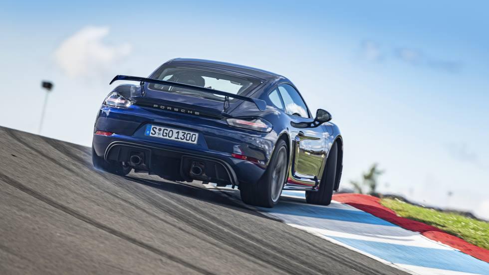 """A prueba el Porsche 718 Cayman GT4: """"poca"""" electrónica y mucha mecánica"""