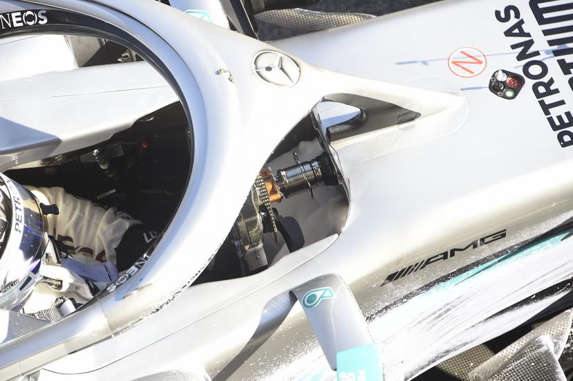 """Volante """"mágico"""" en el Mercedes W11"""