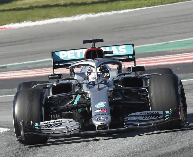 Mercedes y su volante