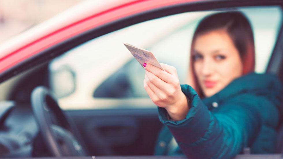 Los mejores consejos para aprobar el carné de conducir tras los cambios de la DGT