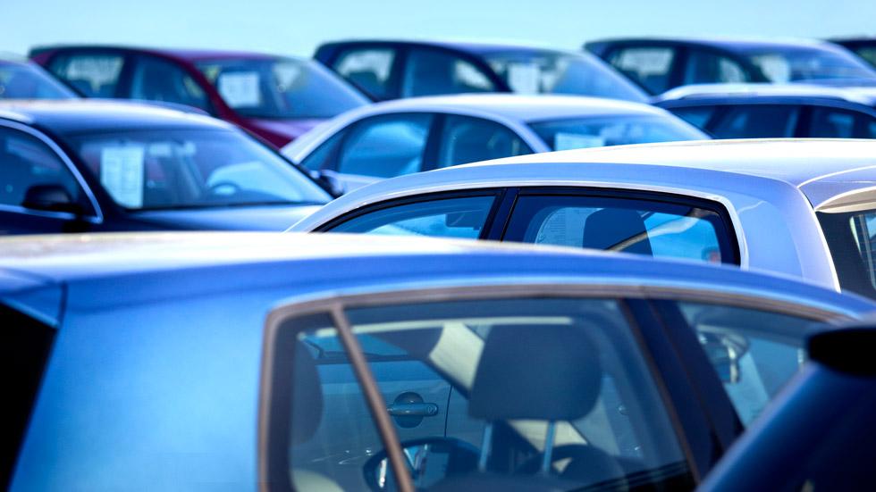 La DGT vigilará más de cerca las bajas temporales de los coches