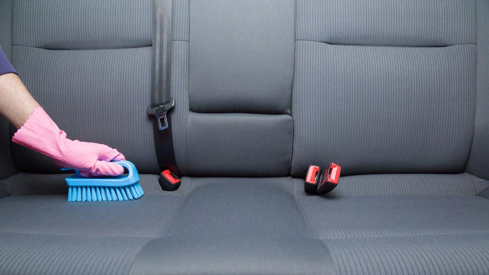 Cómo desinfectar bien tu coche para evitar virus, bacterias y enfermedades