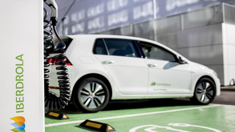 Iberdrola se enchufa al coche eléctrico: creará 150.000 puntos de carga en 5 años