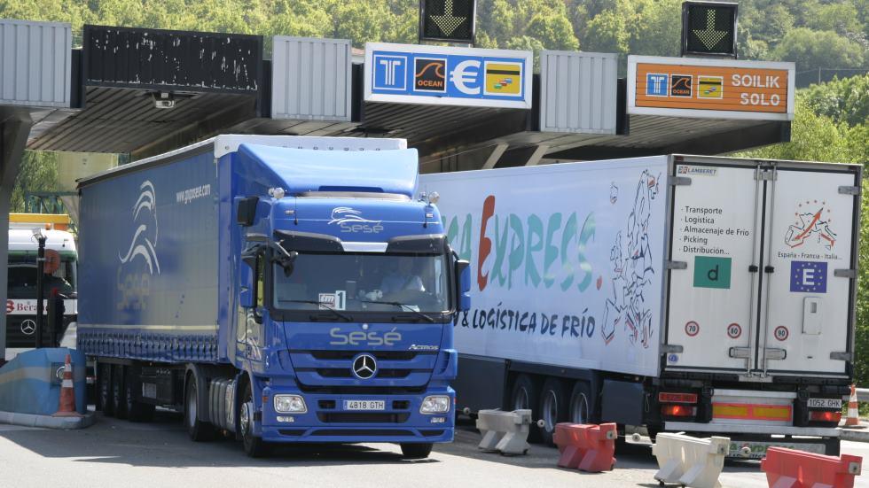 Prolongada la vigencia de las tarjetas CAP para que los transportistas sigan abasteciendo
