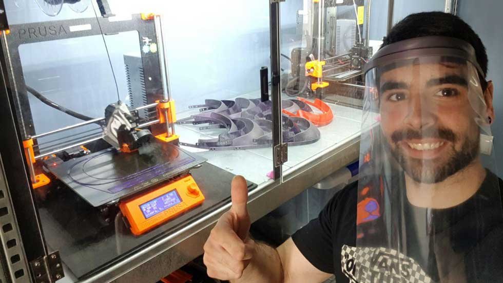 Renault España fabrica mascarillas con impresoras en 3D para los afectados por coronavirus
