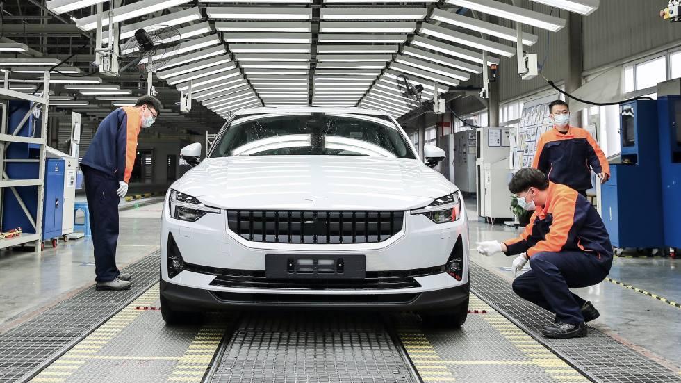 Polestar 2: arranca la producción en China de la berlina eléctrica anti-Tesla