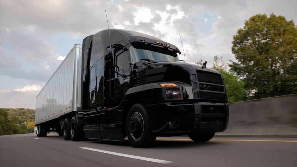 Mack Trucks Black Anthem: todo al negro para este súper camión