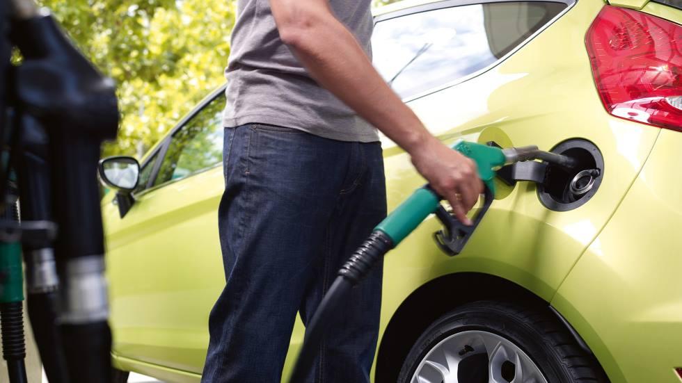 ¿Cuántos coches de gasolina, diésel, eléctricos e híbridos se venden en España?