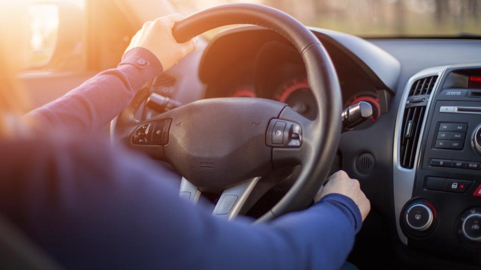 Por qué y cada cuánto tiempo debes encender tu coche durante el estado de alarma