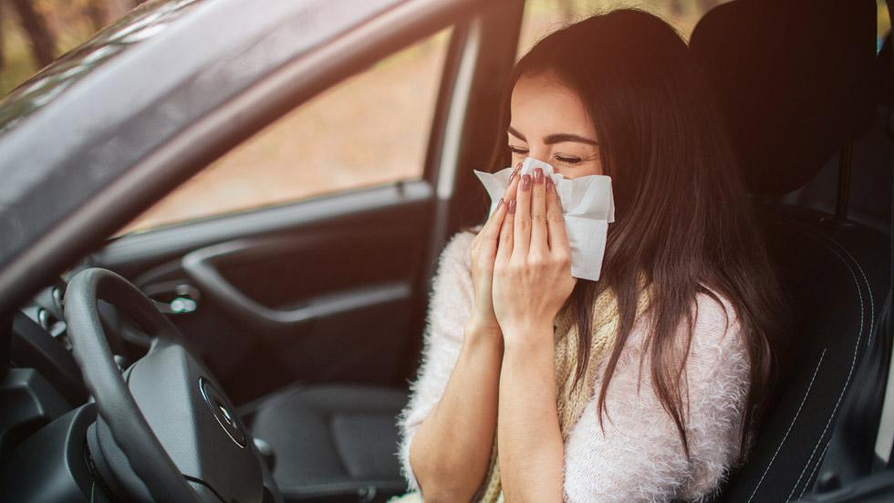 La DGT avisa de los peligros que puede tener la alergia primaveral al volante