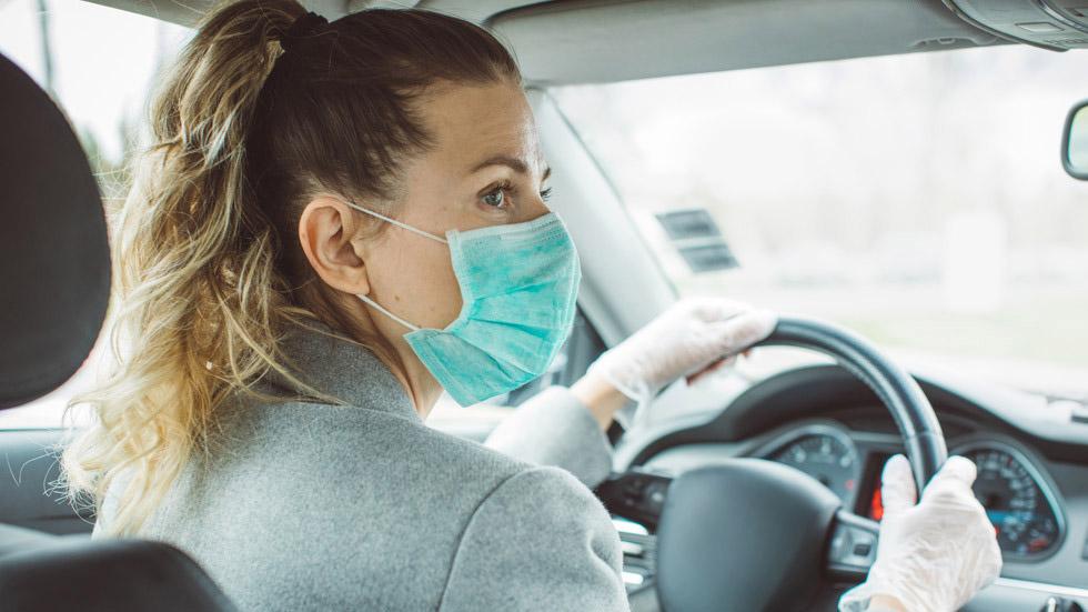 Cuál es el uso obligatorio de la mascarilla, según el tipo de transporte: coche, moto, bus…