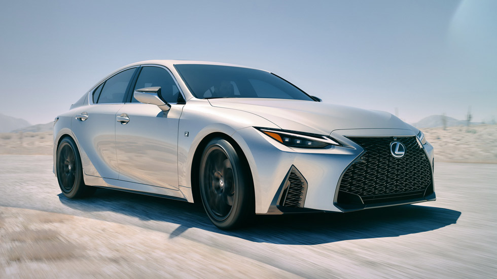 Lexus IS 2021: la berlina híbrida japonesa se actualiza