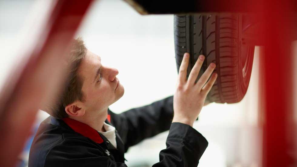 Así debes revisar los neumáticos de tu coche tras el confinamiento