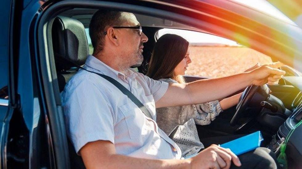 Los centros de exámenes para sacarse el carné de conducir se colapsan