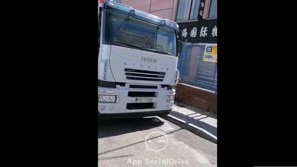 Exclusiva: el camión camuflado de la DGT, ¡cazado! Así es, en vídeo