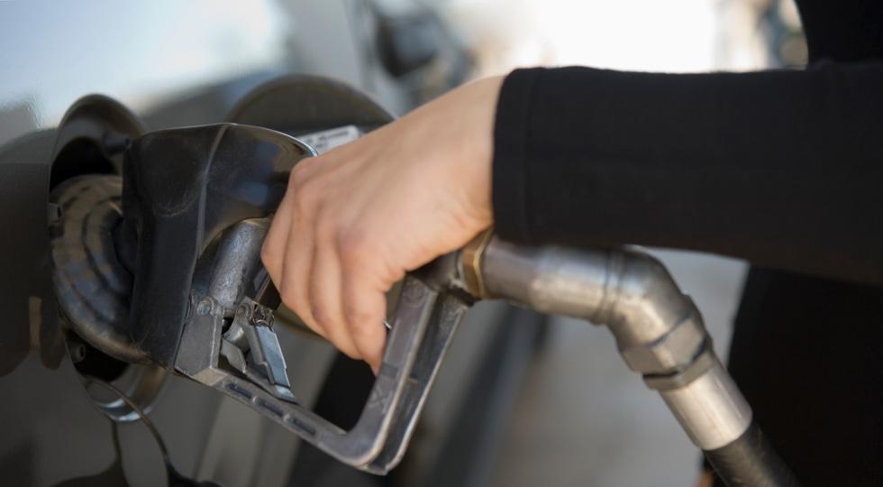 Casi 1 de cada 4 conductores reposta carburantes 'low cost'