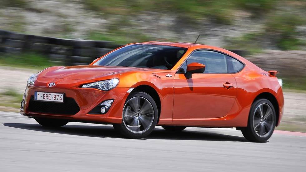 Los 5 coches más baratos que te dan más alegrías al volante