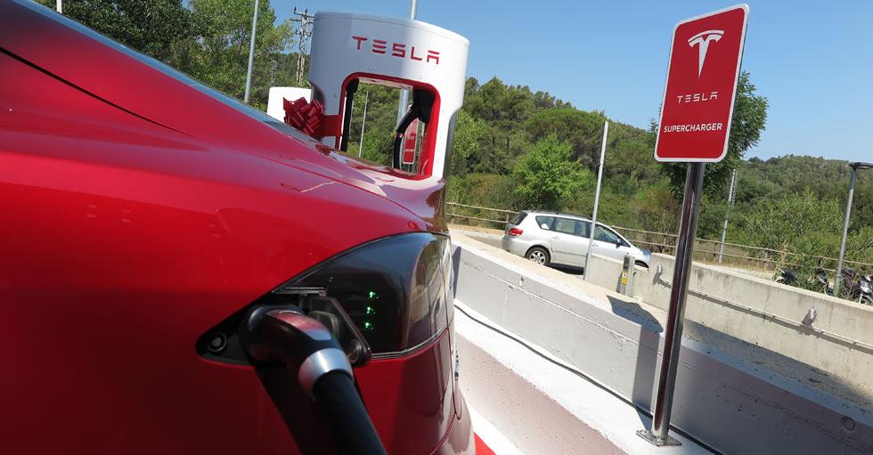 5 cosas que debes saber sobre los Supercargadores de Tesla