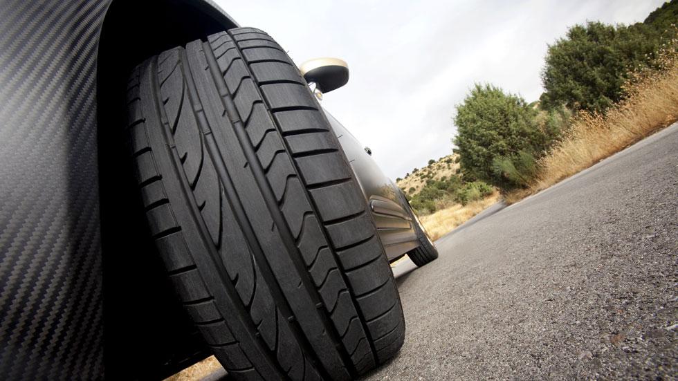 El 84 por ciento de los neumáticos sustituidos, fuera de la ley