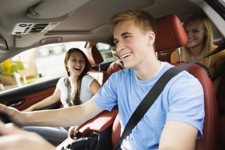 Los adolescentes americanos prefieren los móviles a los coches
