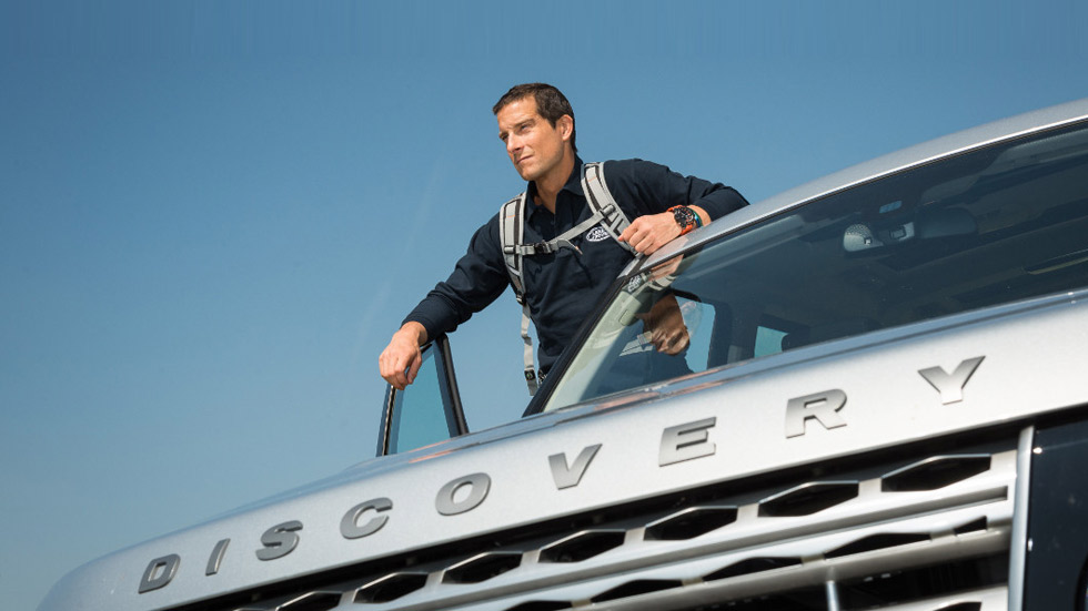 Bear Grylls, El Último Superviviente, embajador de honor de Land Rover
