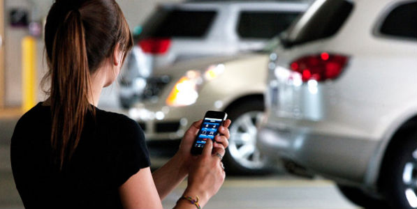 La mitad de los españoles busca coche por el móvil