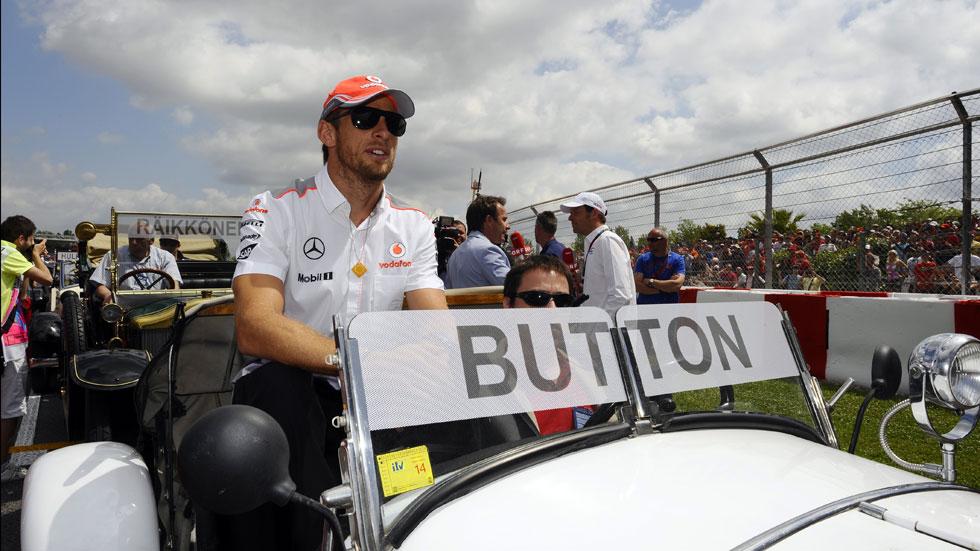Button cree que las mujeres no cuentan con el apoyo necesario en la F1